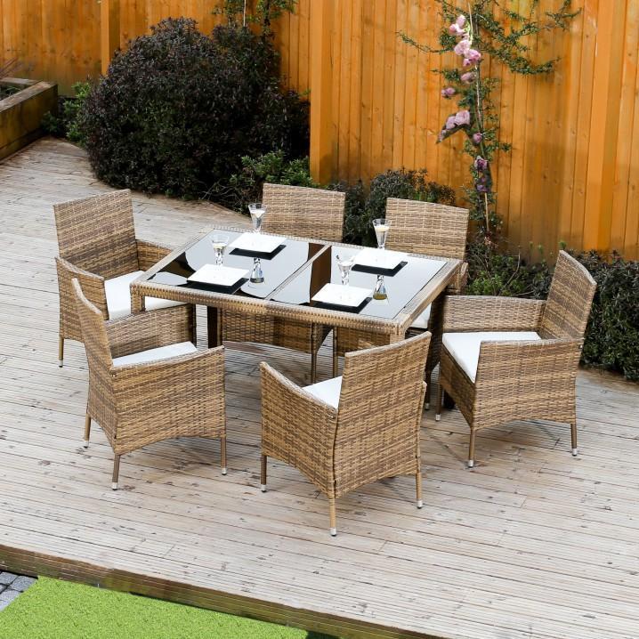 0527f6aab58a Jedálenský stôl je takisto nábytok na terasu